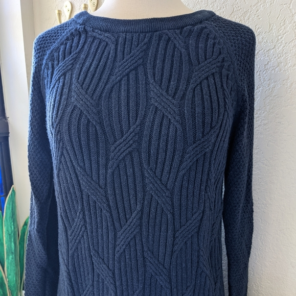 Sonoma 🦊 navy blue cable knit sweater